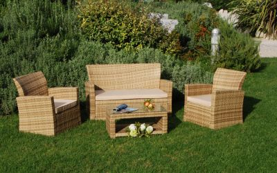 SALOTTINO FLOOR; Set sofa composto da divanetto 2 posti, 2 poltroncine e tavolino.